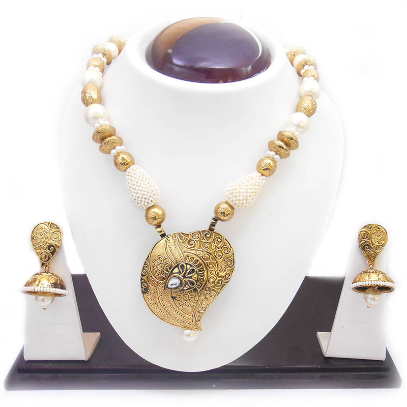 Buy Traditional Gold Design Beautiful Immitation Necklace ...