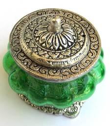 Buy Glass melon box - green pot online