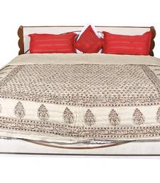 Buy Beige printed Cotton Quilts quilt online
