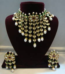 Buy Design no. 8 b.1210 a....Rs. 16000. Pre order set. Will be made in 15 days after confirm order. Necklace online