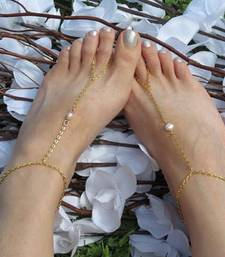 Buy Pearl golden Chain Exclusive designer classic pretty Anklets anklet online