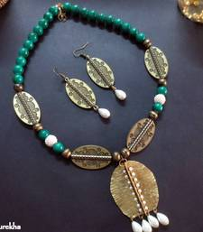 Buy 09_Green_Antique_Dhaatu_Pearl_Latkan_Set Necklace online