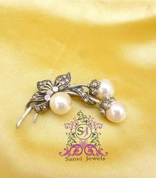 Buy Beautiful pearl n leaf pattern booch brooch online