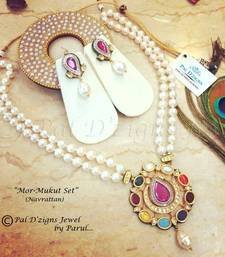 Buy Mor Mukut Set (Navrattan) necklace-set online