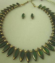 Green glass beads necklace set   shop online