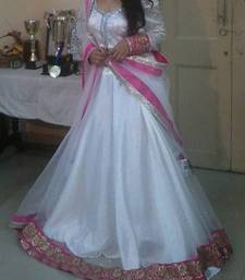 Buy Genelia White Fairytale Princess Pink & White Lehenga engagement-gift online