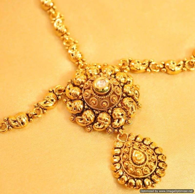 Buy Yellow Gold Maang Tikka Online