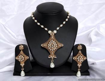 Design no. 8B.2073....Rs. 2650