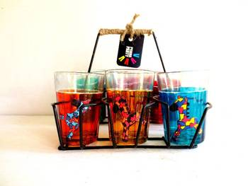 Quirky kitsch cutting chai sets-Horsing around