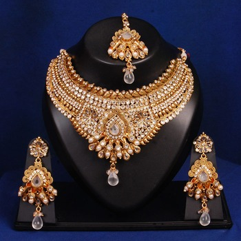 Traditional Bollywood Bridal Necklace Set