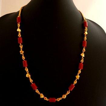 Short coral necklace