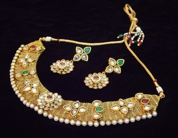 Elegant and delicate kundan polki pearl necklace set