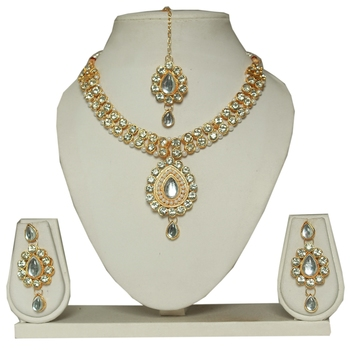 Butterfly Necklace Set With Earrings