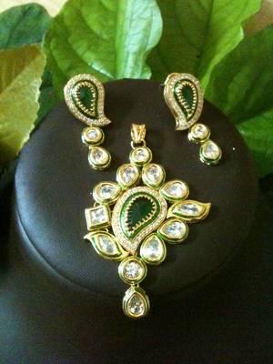 ac kundan pendant set