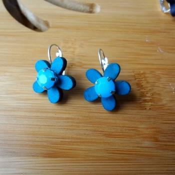 floral treat aqua blue