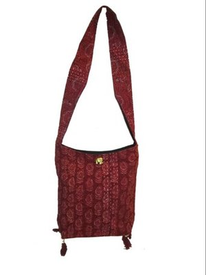 handcrafted kantha work hand bag