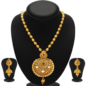 Astonish Gold Plated Kundan Necklace Set For Women