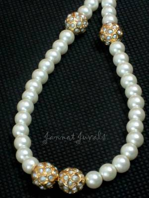 Pearl with Pearl embedded Stone beads neckpiece