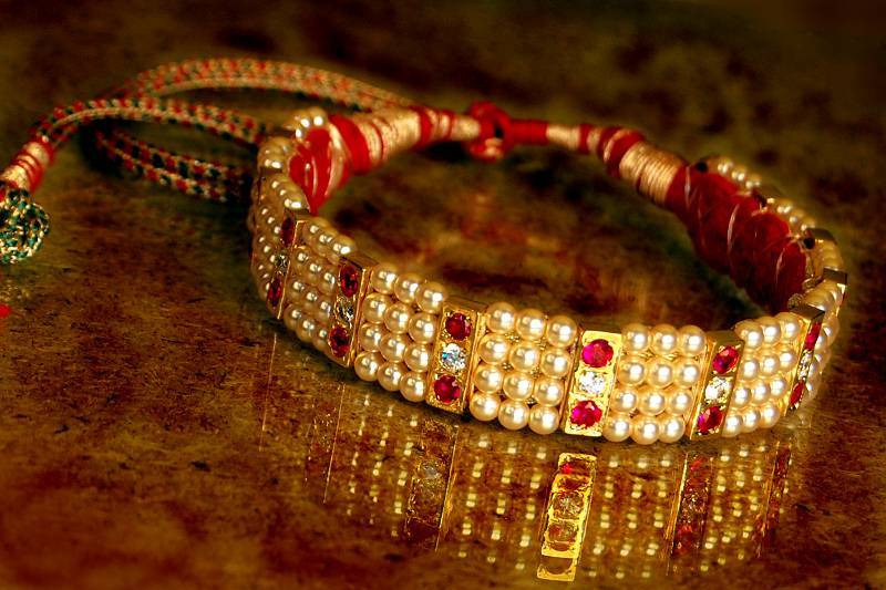 Buy Chinchpeti Maharashtrian Traditional Chokar Neck Set