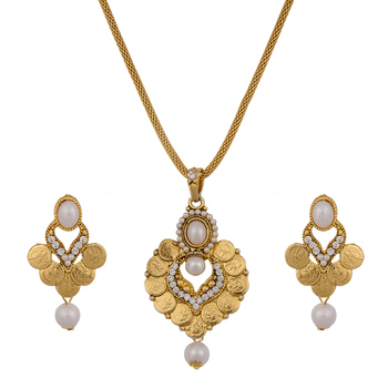 Beads Studded Gini Pendant Set