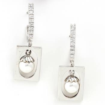Exquisite Pair Of Silver Finish Earrings With Pearl And American Diamonds