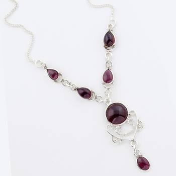 An Authentic Handcrafted Garnet Necklace In Sterling Silver_08