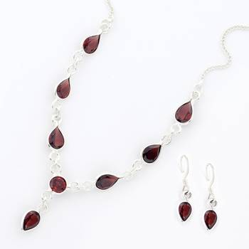 Beautiful Handcrafted Pure Silver Necklace With Faceted Garnet And Pair Of Earrings_09