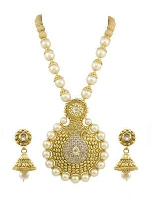 Golden Beige Traditional Rajwadi Pendant Set Jewellery for Women - Orniza