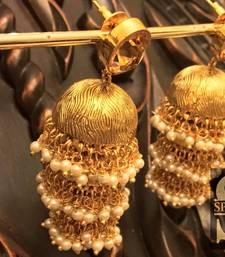 Buy  amrapali gold foil triple jhumkaas jhumka online