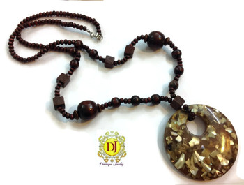 Round Pendent wooden necklace
