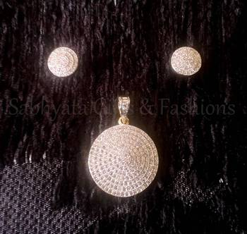 Simple Circle Pendant Set