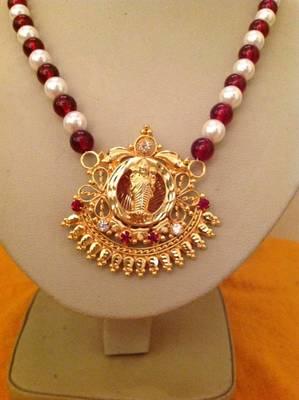 Antique Kundan Laxmi Necklace with elegant crystals