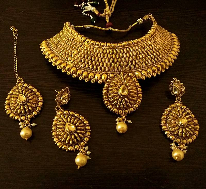 Buy Royal Gold Plated Bridal Choker Necklace Set With Maang Tikka Online