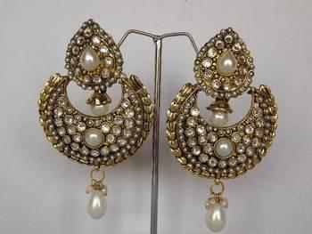 Stunning Chaand Baalis with Diamonds & Pearls