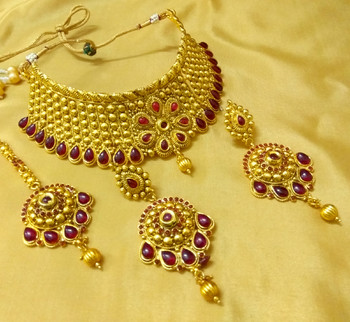 Ethnic Kemp Stone Bridal Choker Necklace Set With Maang Tikka