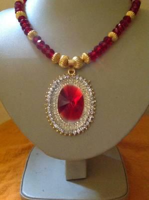 Simple and elegant designer crystal necklace