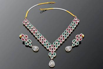 RED N GREEN STONE STUDDED NECKLACE SET