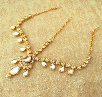 Royal wedding jewellery white kundan mathapatti maang tikka