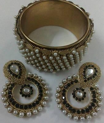 Designer Earings with Traditional Moti Kadas