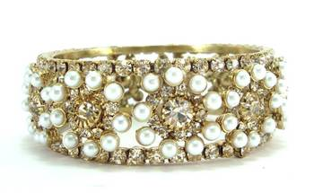 Champagne cz pearl broad 1pc bangle l2075