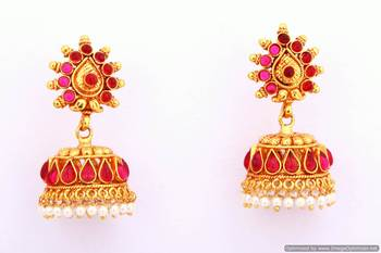 Fashionable Earring Collection 4