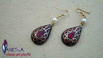 red petal laakh danglers2