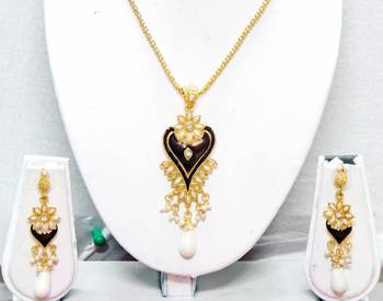 Traditional Handmade Jewellery For Women (N0014GP)