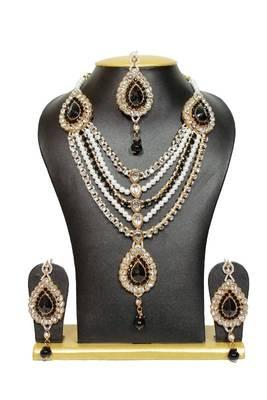 Bridal Pearl Jewelry Set in Black