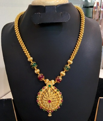 Georgeous gold plated necklace