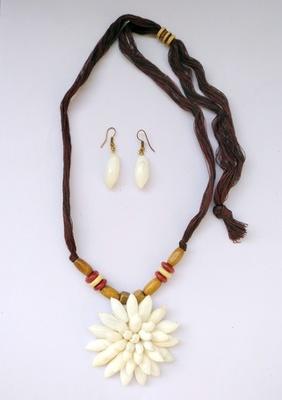 Multicolor plain necklace sets