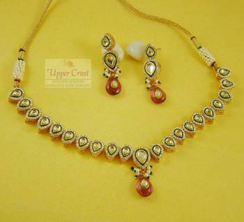 Kundan Sleek Necklace Earring Jewellery set