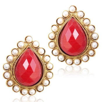 Desirous Deep Red stone with a pearl border ha82M
