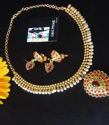 Buy Kemp Necklace with Jhumka's Pendant online