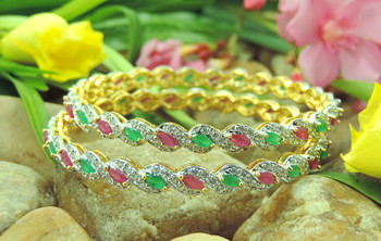 Bracelet in 3 colours Red/Green/Silver